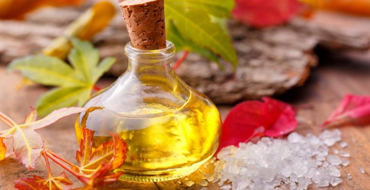 Pflegendes Öl und Badesalz